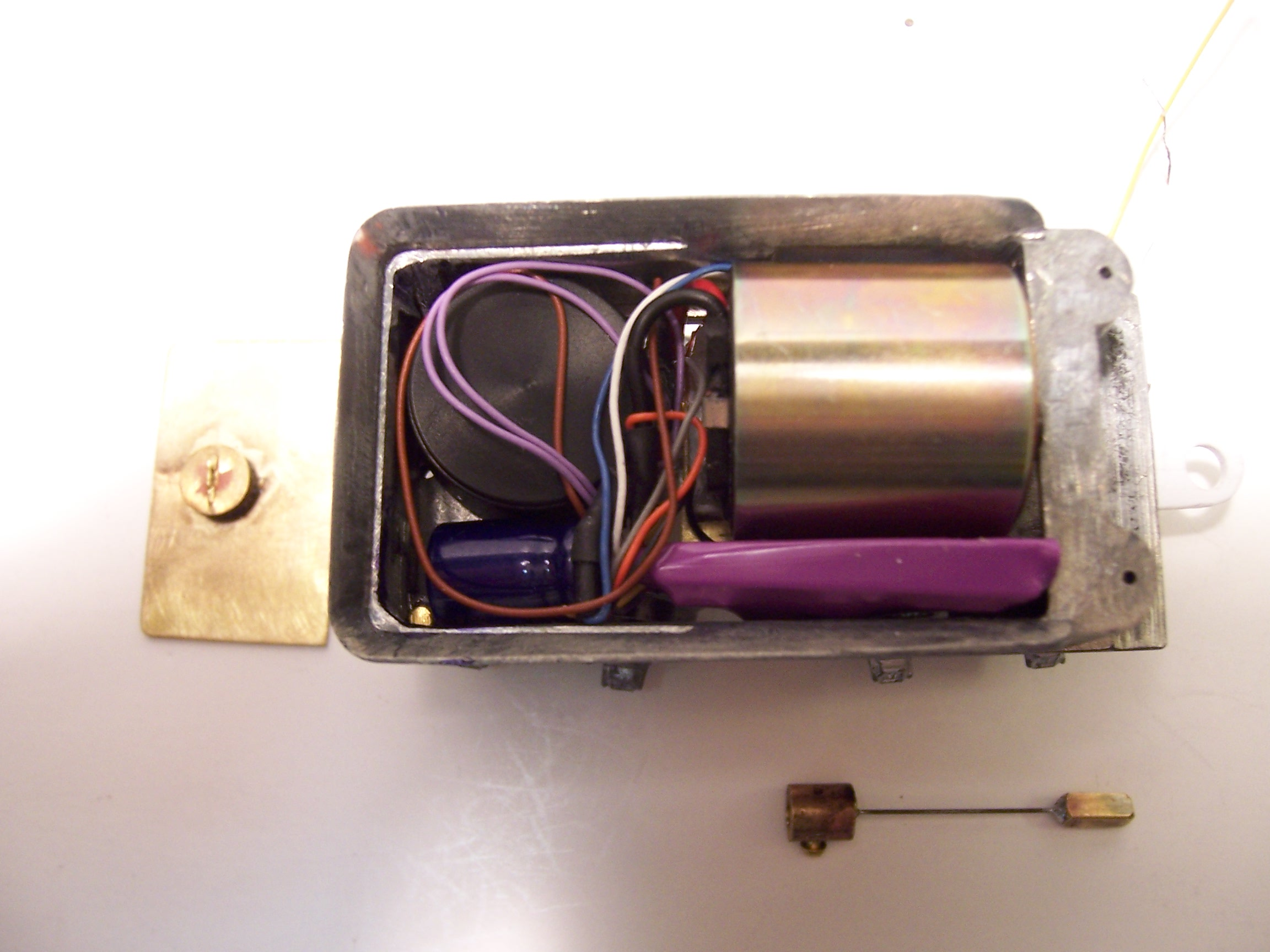 Motor, DCC Controller and Speaker in the tender