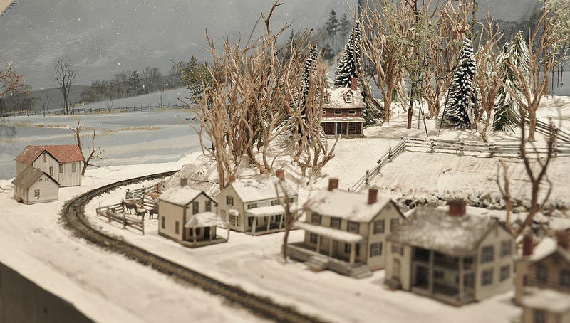 small layout how to articles small model railroads a row of houses on the n scale layout