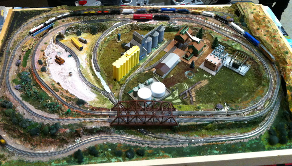 Small layout how to articles small model railroads - N scale train layouts small spaces paint ...