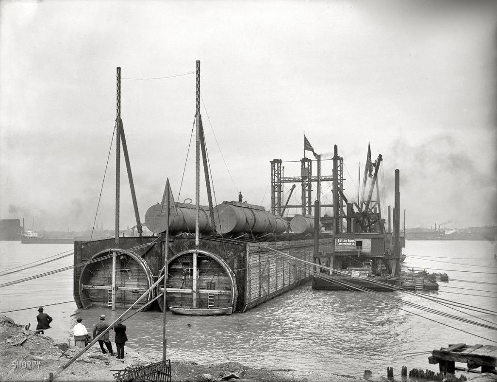 Railroad tubes to be sunk in Detroit River around 1908.