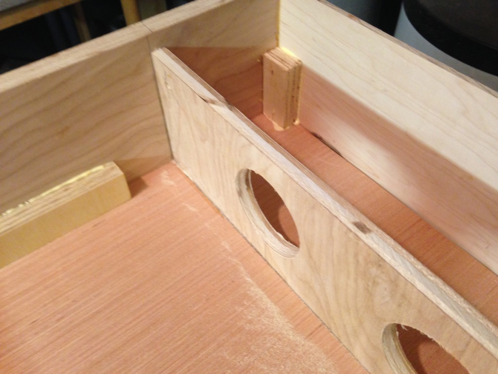 Internal braces in the corners and at the end plate.