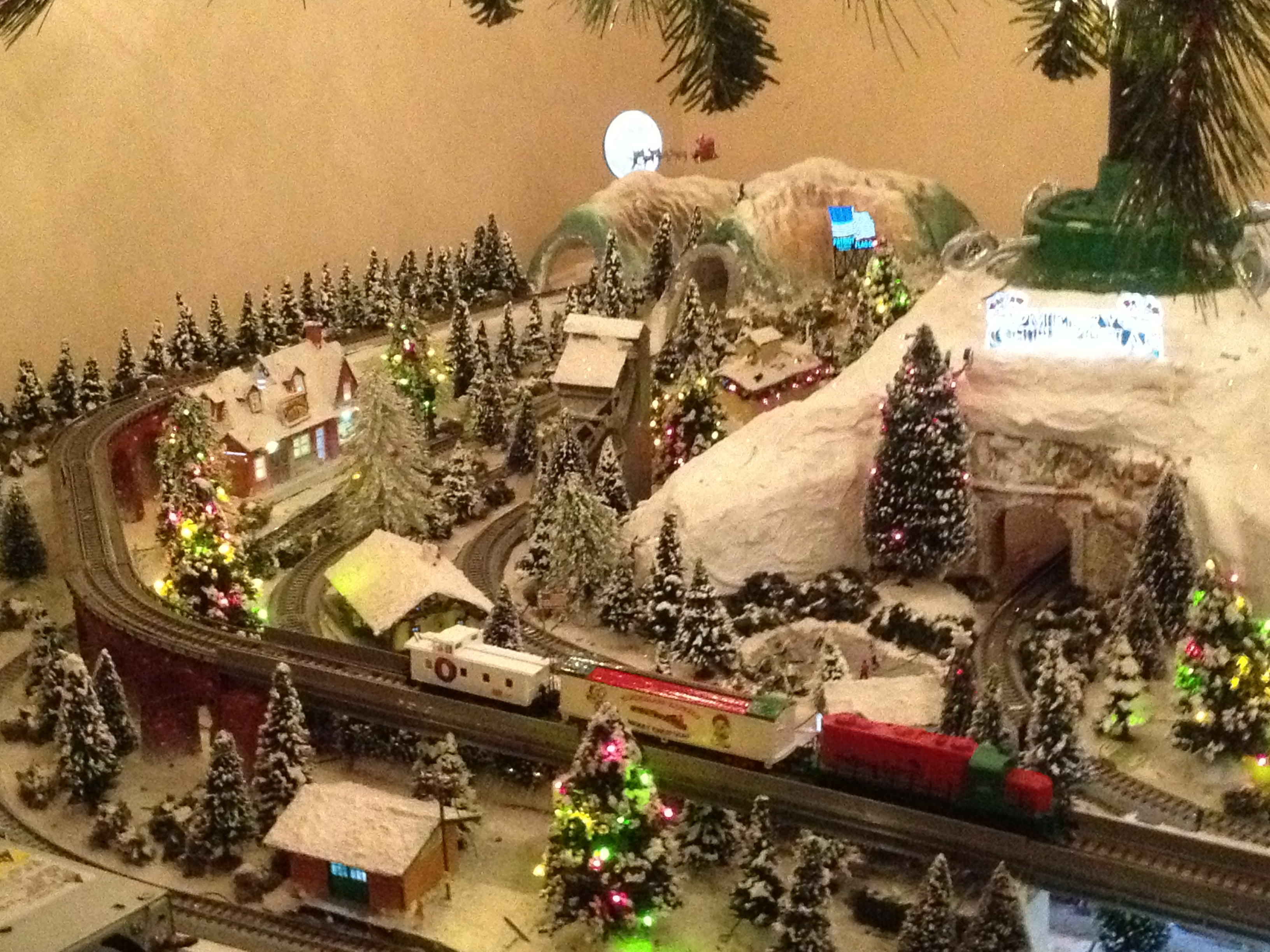 Lou Angelucci S Christmas N Scale Layout Small Model