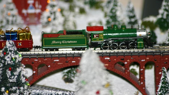 Christmas is coming soon! Time to get those small Christmas layouts out and start prepping them for the holiday season!